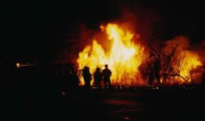 Silhouette, Feuerwehr, Nacht, vorne, Flamme