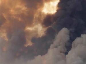 smoke, columns, rising, sky