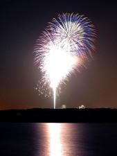 Feuerwerk, Nacht, Fluss