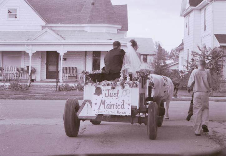 just, married, sign, cart