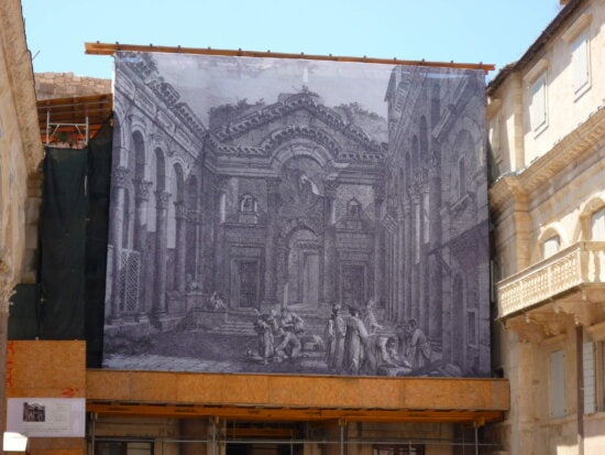 large, linen, painting, facade, building
