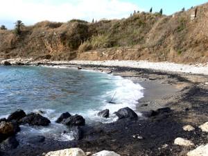 Lebanon, gravel, beach, oil, spill, damage