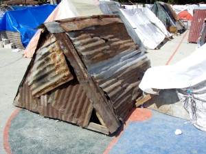 makeshift, housing, facilities