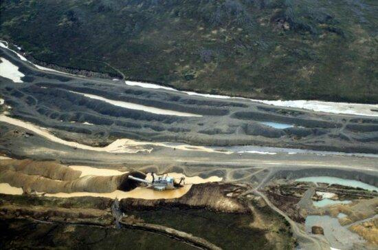 platinum, mining, aerial perspective