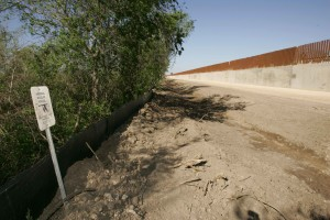 refuge, border, wall, sign