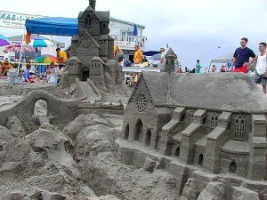 sandcastles, beaches, ocean, cathedrals, crowds