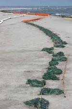 oil, resisting, booms, shore