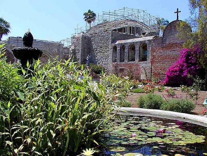 mission, capistrano, church, construction, walls, fountains