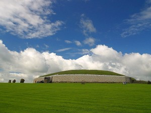 newgrange, passage, tombs, dolmens