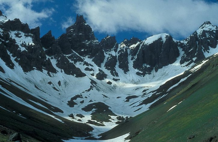 aghileen, pinnacles, kiri, valley, gurun, area