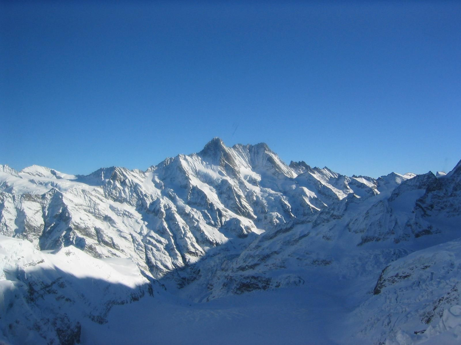 free picture mountain peaks snow