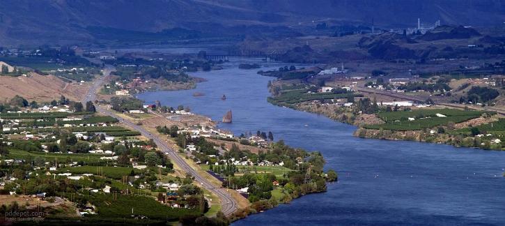 ciudad, río