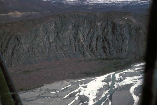 マタヌスカ川、高、川ブラフ