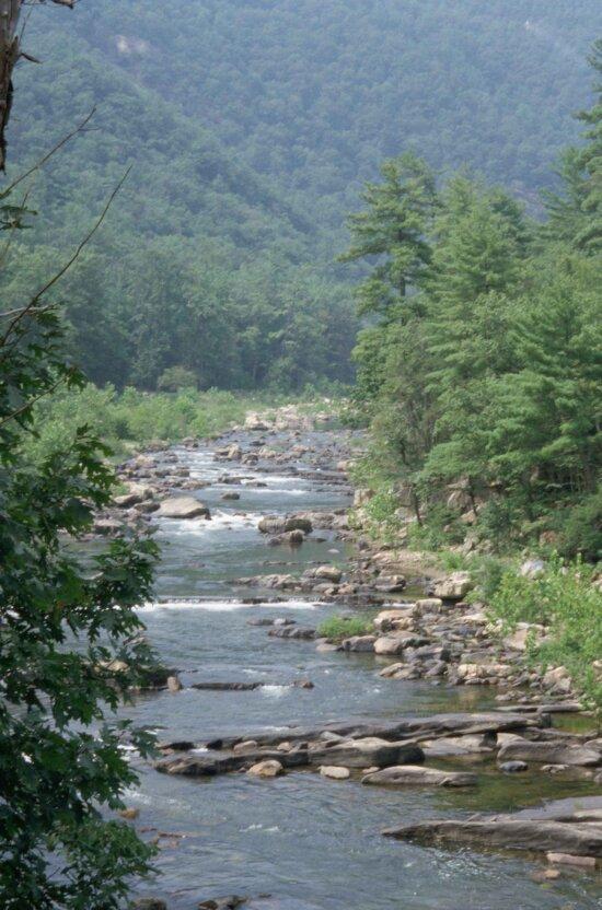 モーリー、川、ゴセンに渡すと、バージニア州