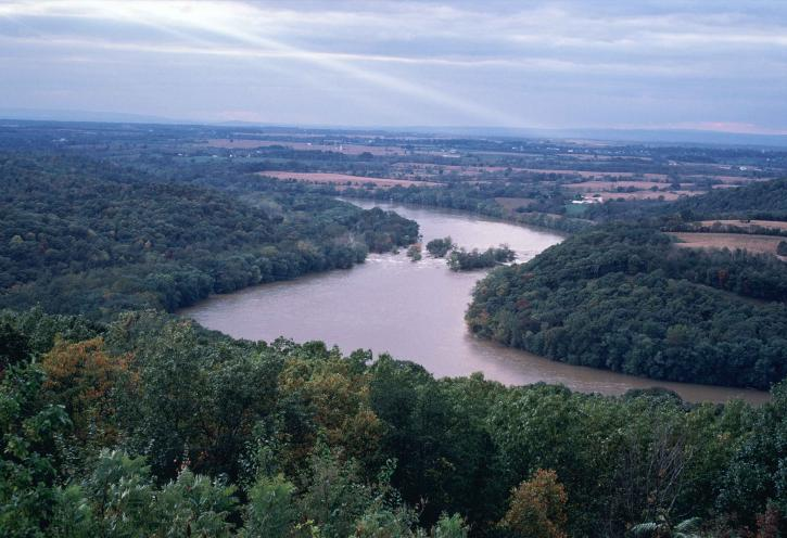Ohio, river, running, between, Ohio, west, Virginia