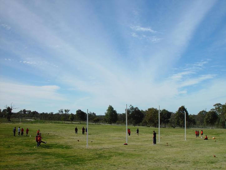 frappant, nuage, rayons, football, ovale