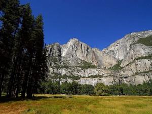 Yosemite falls, suché, léto