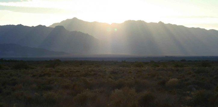 le lever du soleil, les montagnes, les cendres, les prés, faune, refuge
