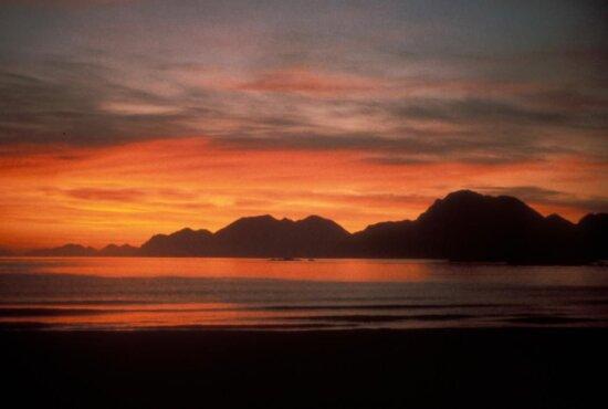 ostrov, západ slnka