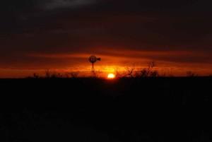 molino de viento, silueta, puesta del sol