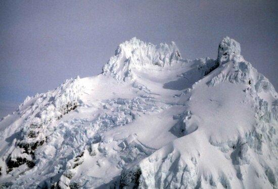 isanotski, volcano, covered, ice, snow