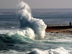 waves, crashing