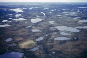 több, tavak, vizes területek, légi perspektíva