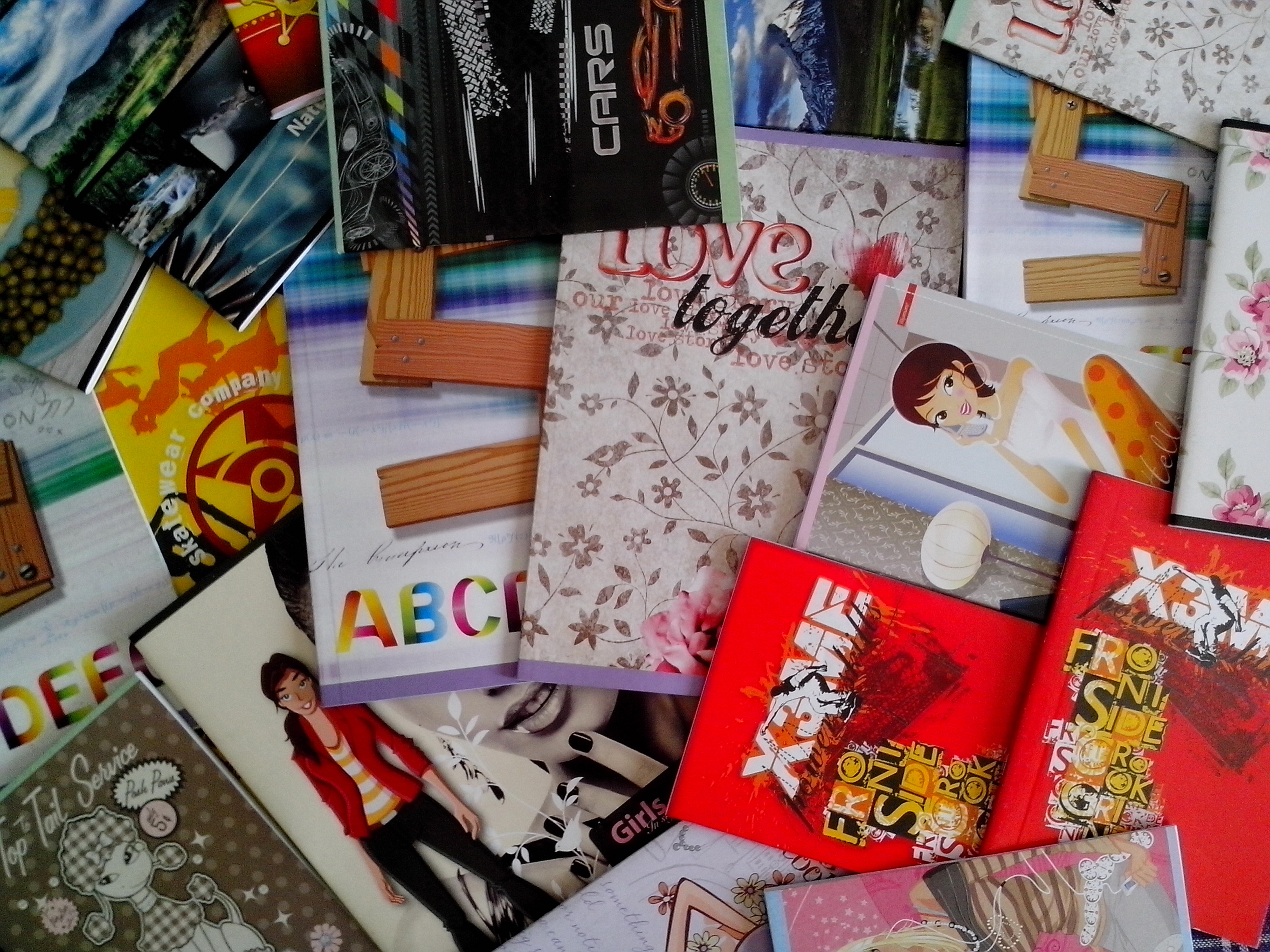 Free photograph; notebooks, students