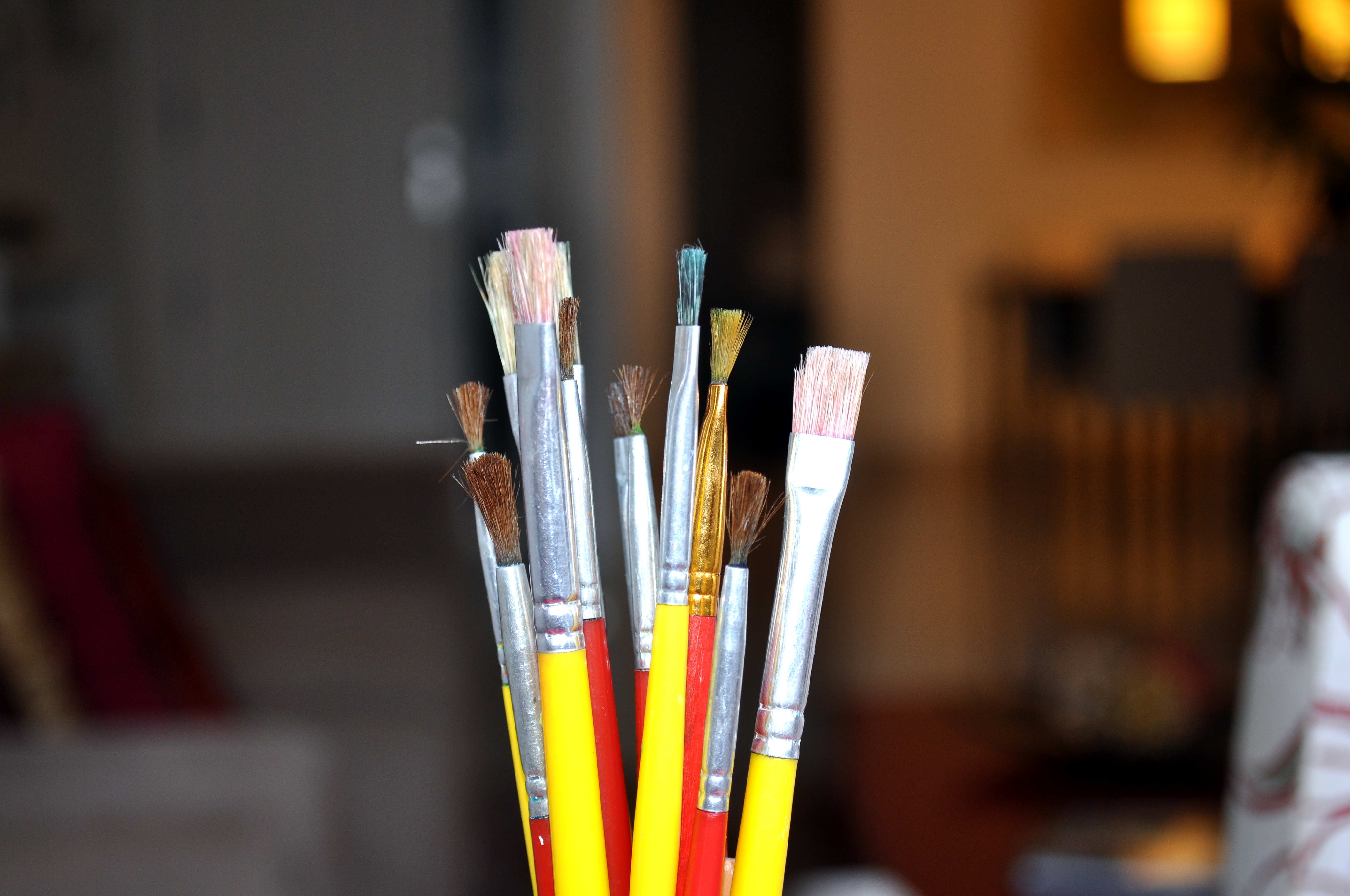 Free photograph; brushes, painting