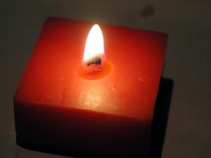svíčka, tmavé