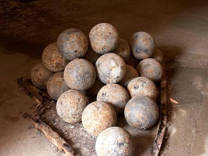 cannonballs, fort, point, Francisco