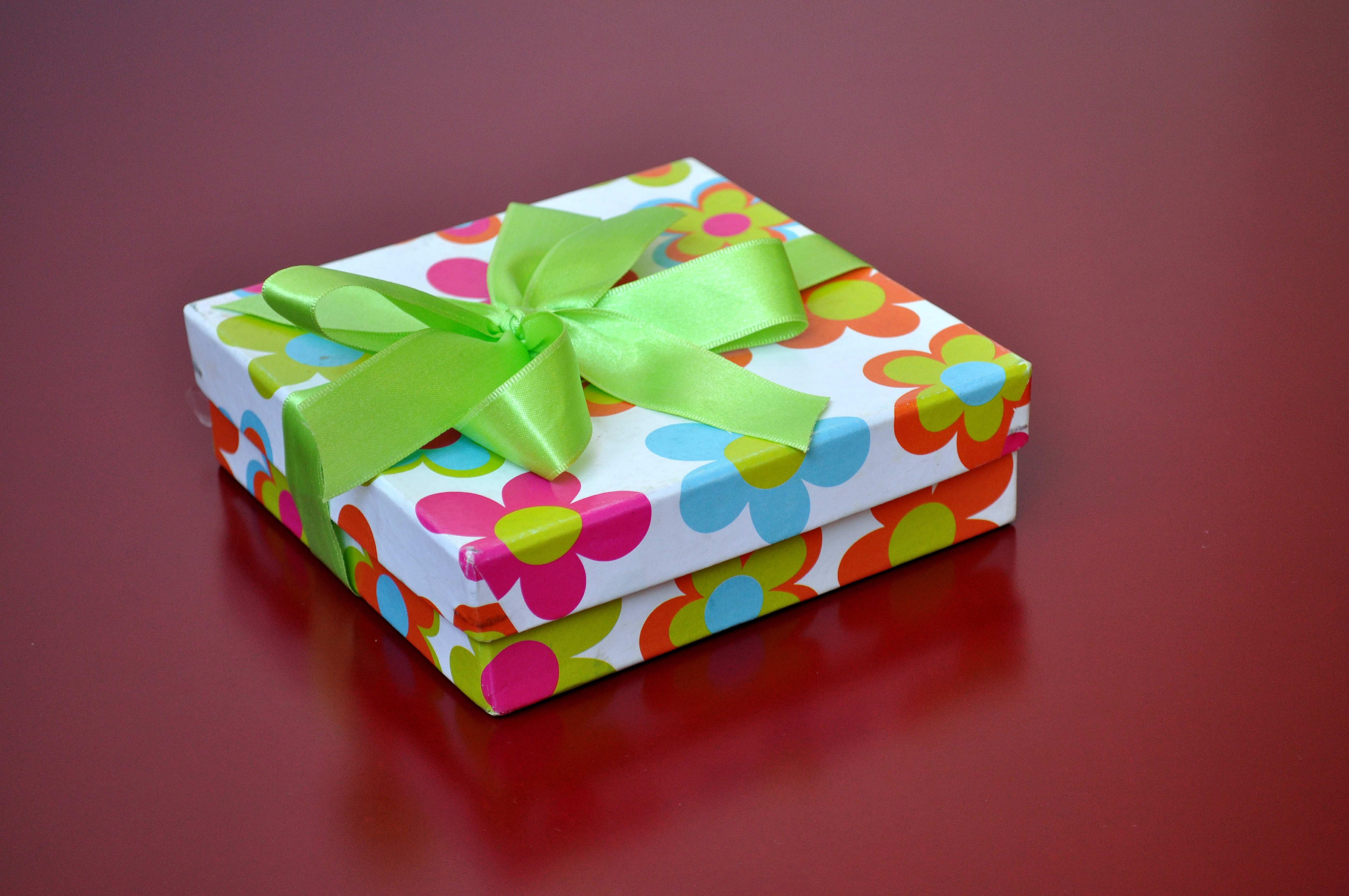 Free photograph; colorful, decorative, luxury, gift, box