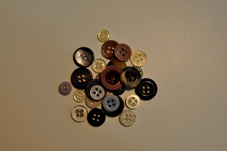 different, buttons, sewing
