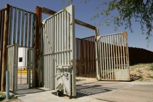 entrée, portail, grand, porte, métal, tuyaux
