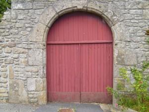 vieux, rouge, église, porte, village