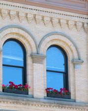 vieux, fenêtres, brique, mur