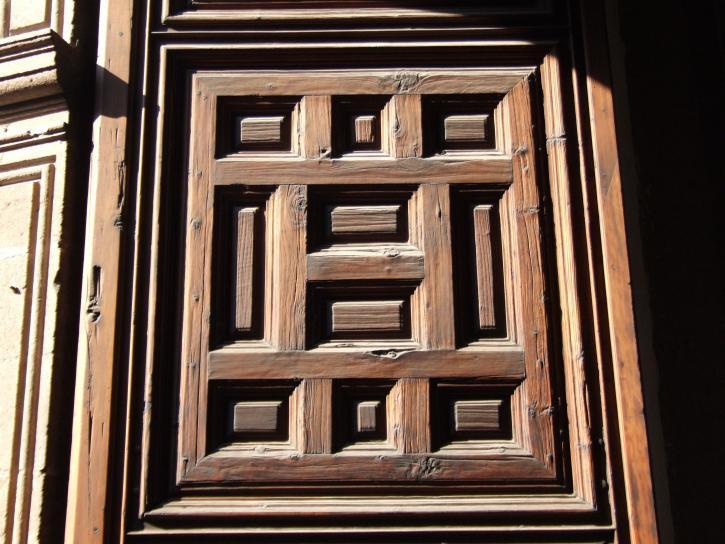 Free Picture Wooden Door