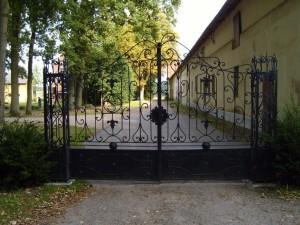 yard, gate