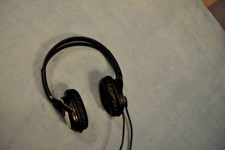 headset, speakers