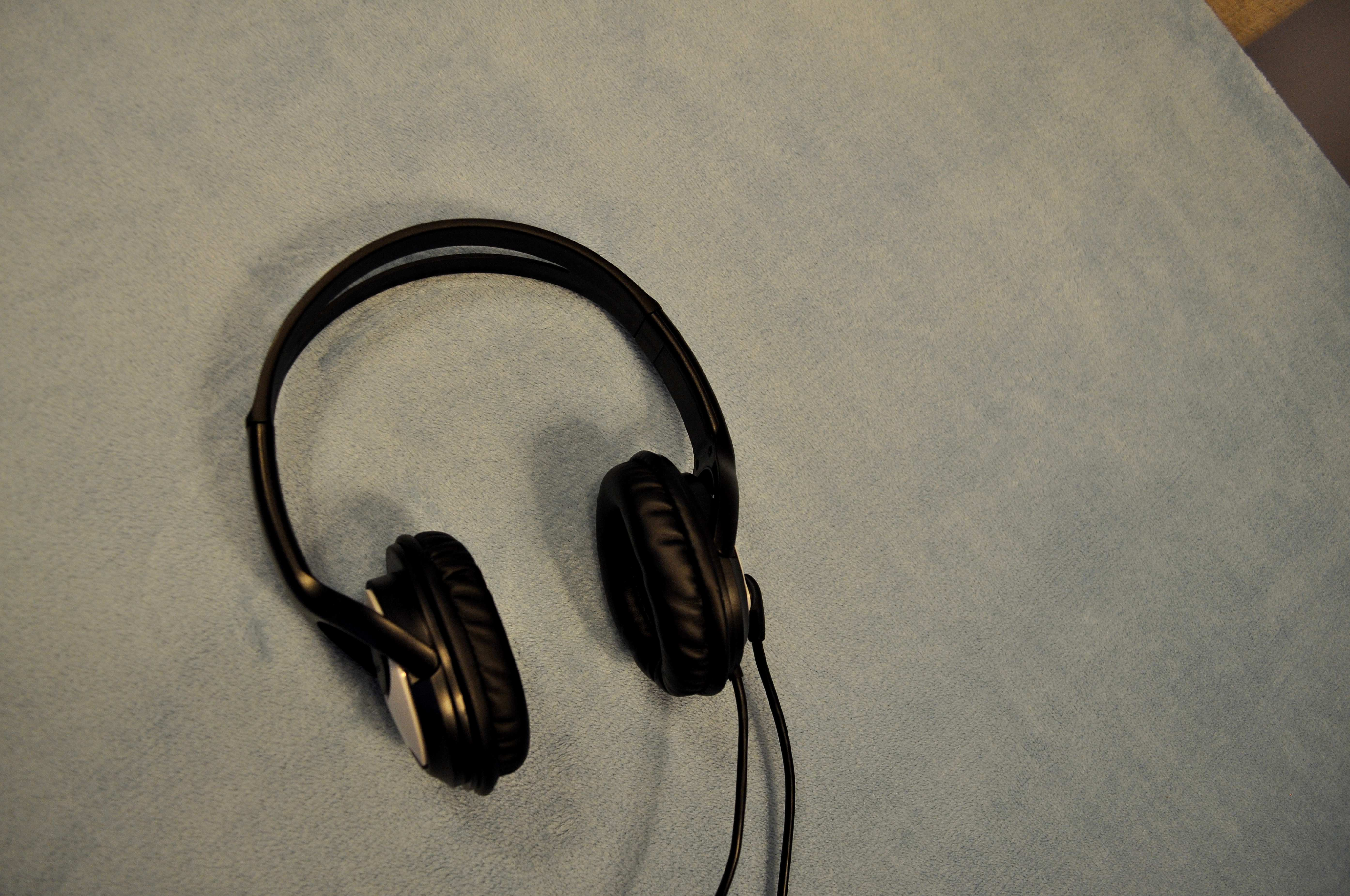Free photograph; headset, speakers