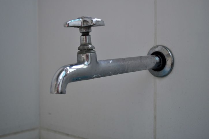 Robinet, salle de bains