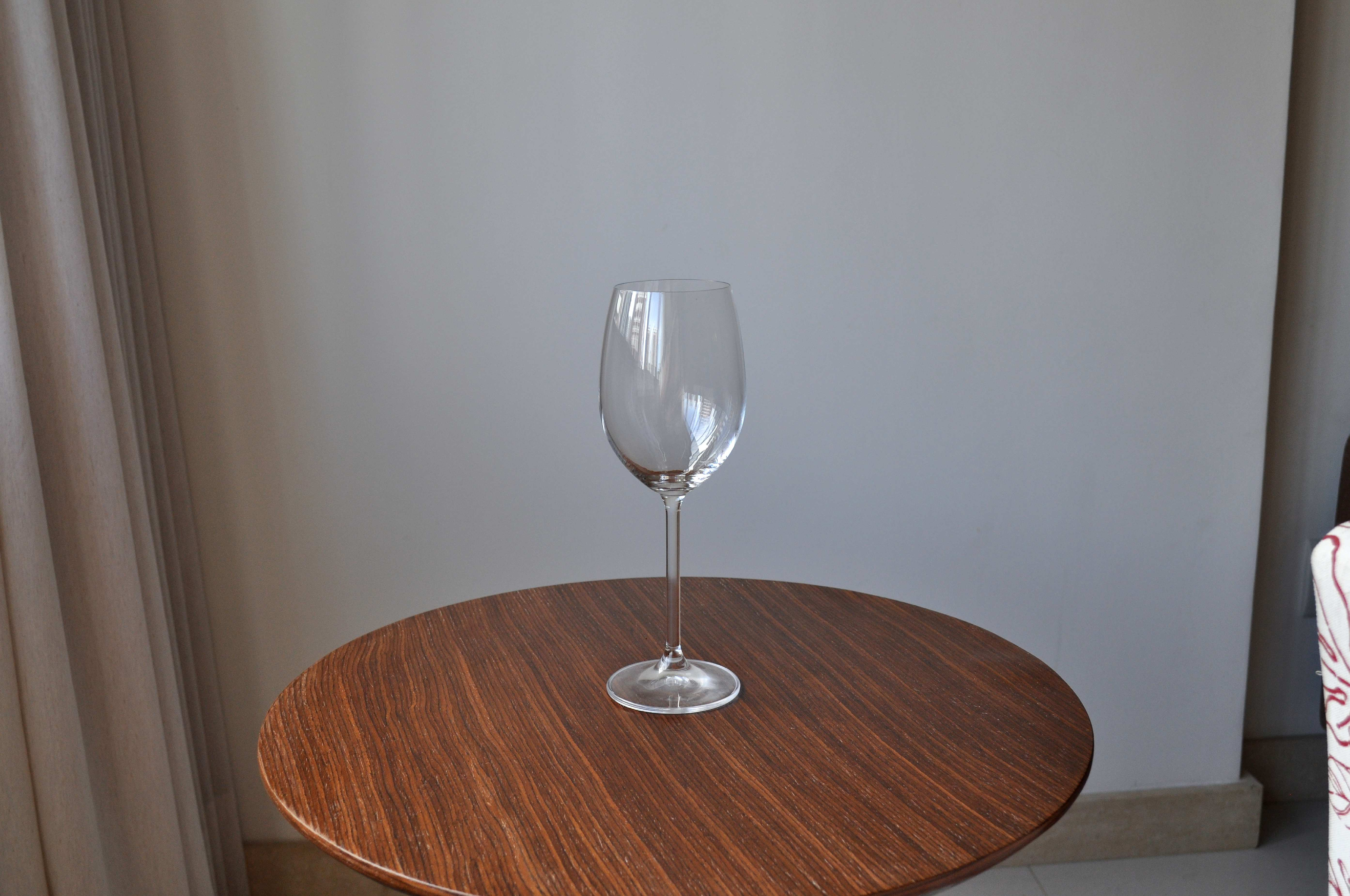 Free photograph; empty, vine, glass, wooden, table