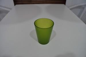 zelena stakla, kup, bijeli, stol
