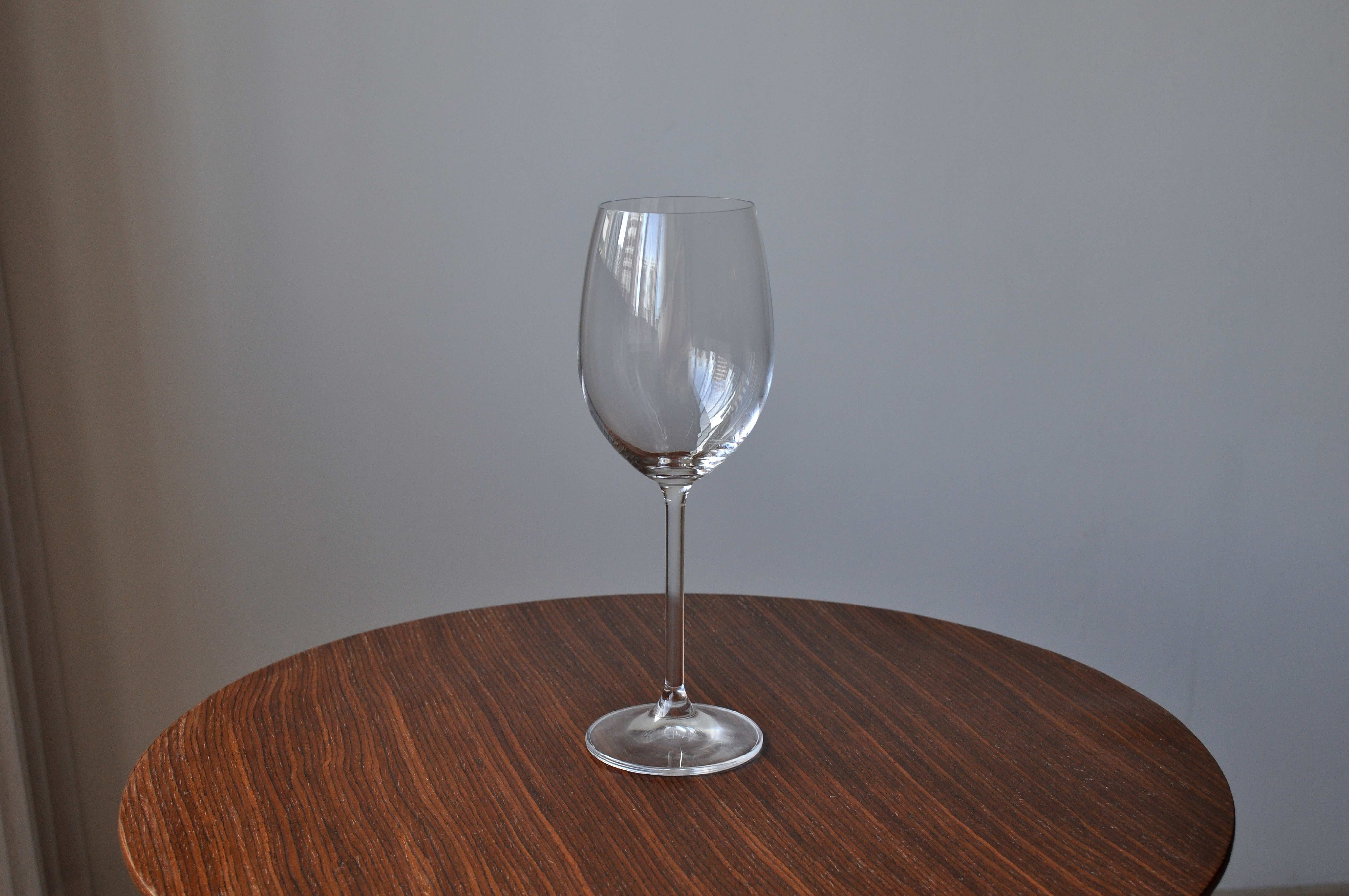 Free photograph; vine, glass, cup, white, table
