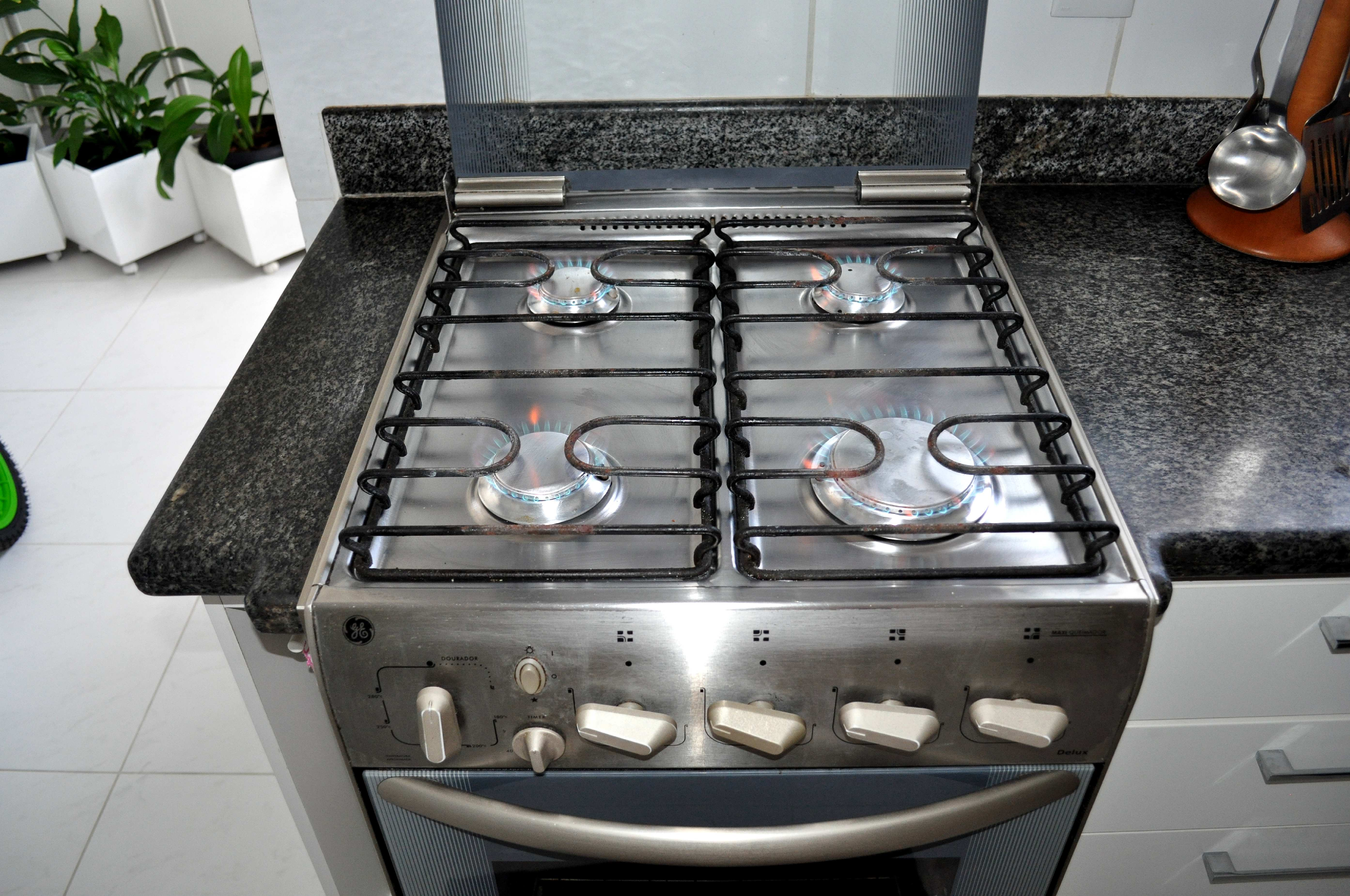 Free photograph; kitchen, stainless, steel, gas, stove
