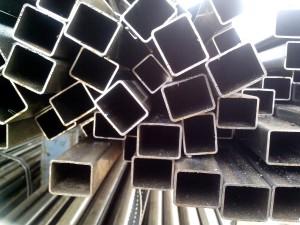 métal, tuyaux, empilés