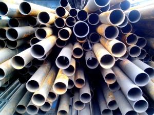 métal, rond, tuyaux, empilés