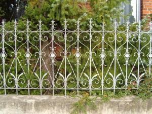 Orné, clôture, fer