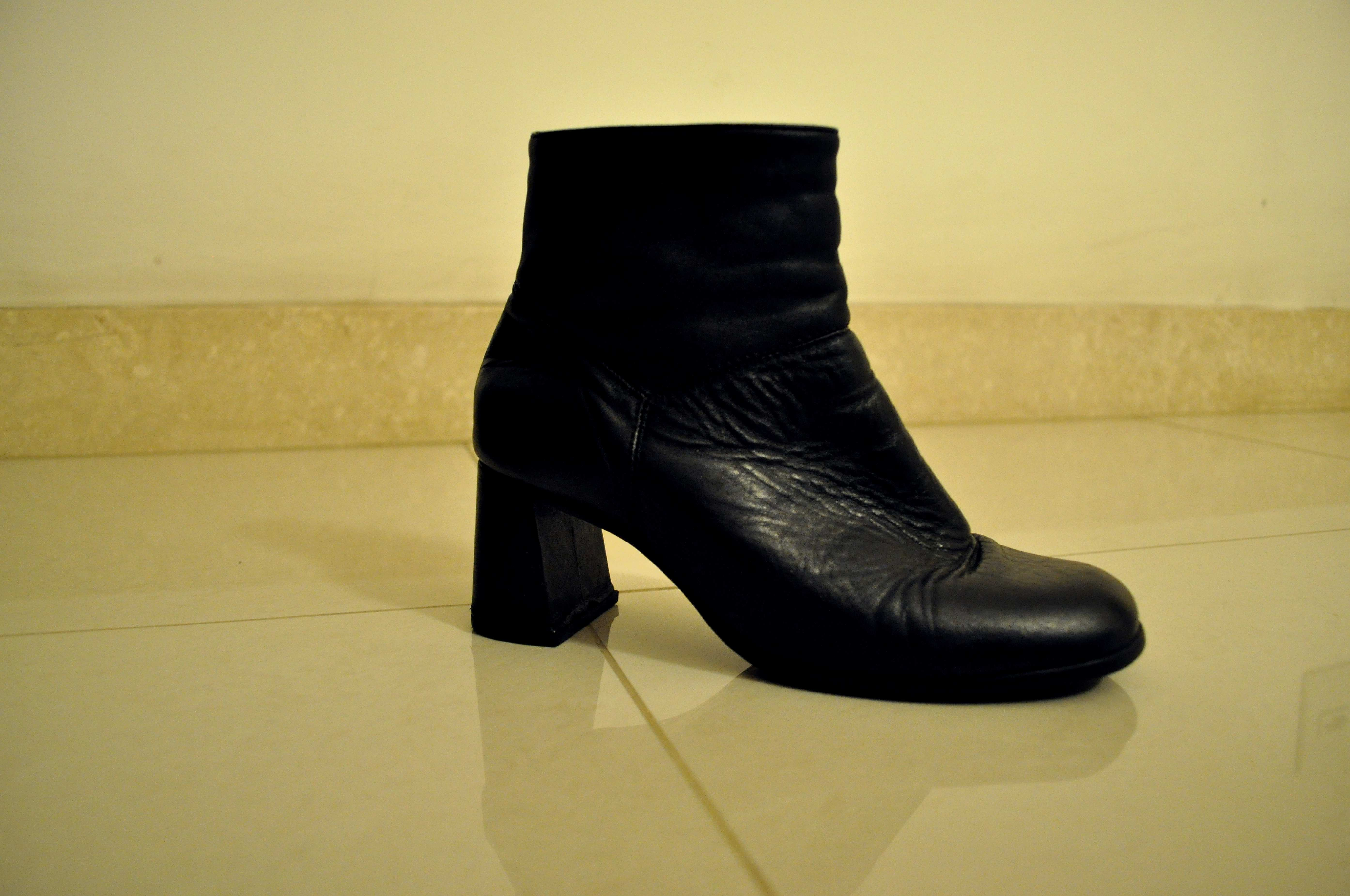 Free photograph; black, women, boots, heels