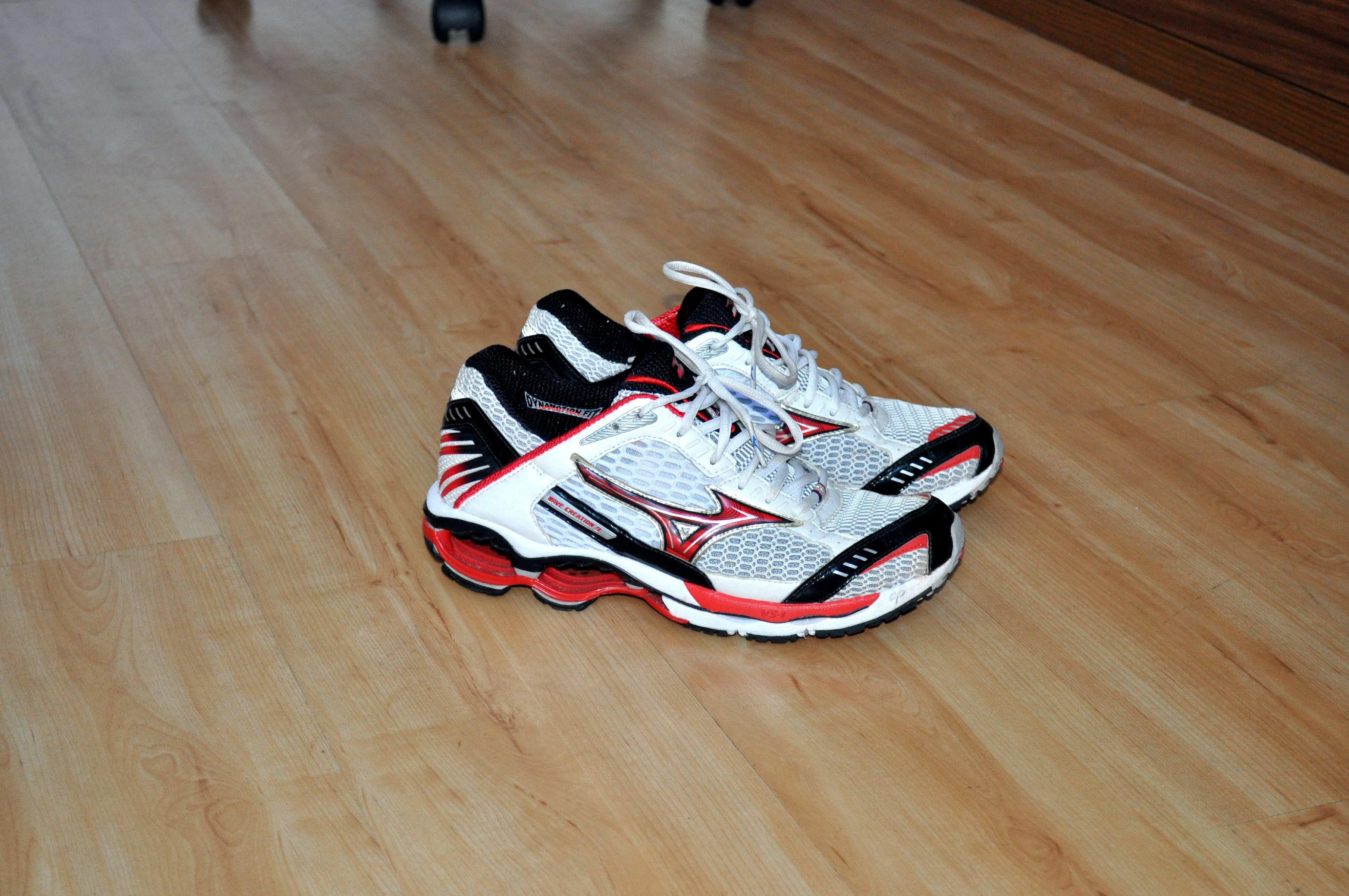 Free photograph; new, modern, running, shoes, floor
